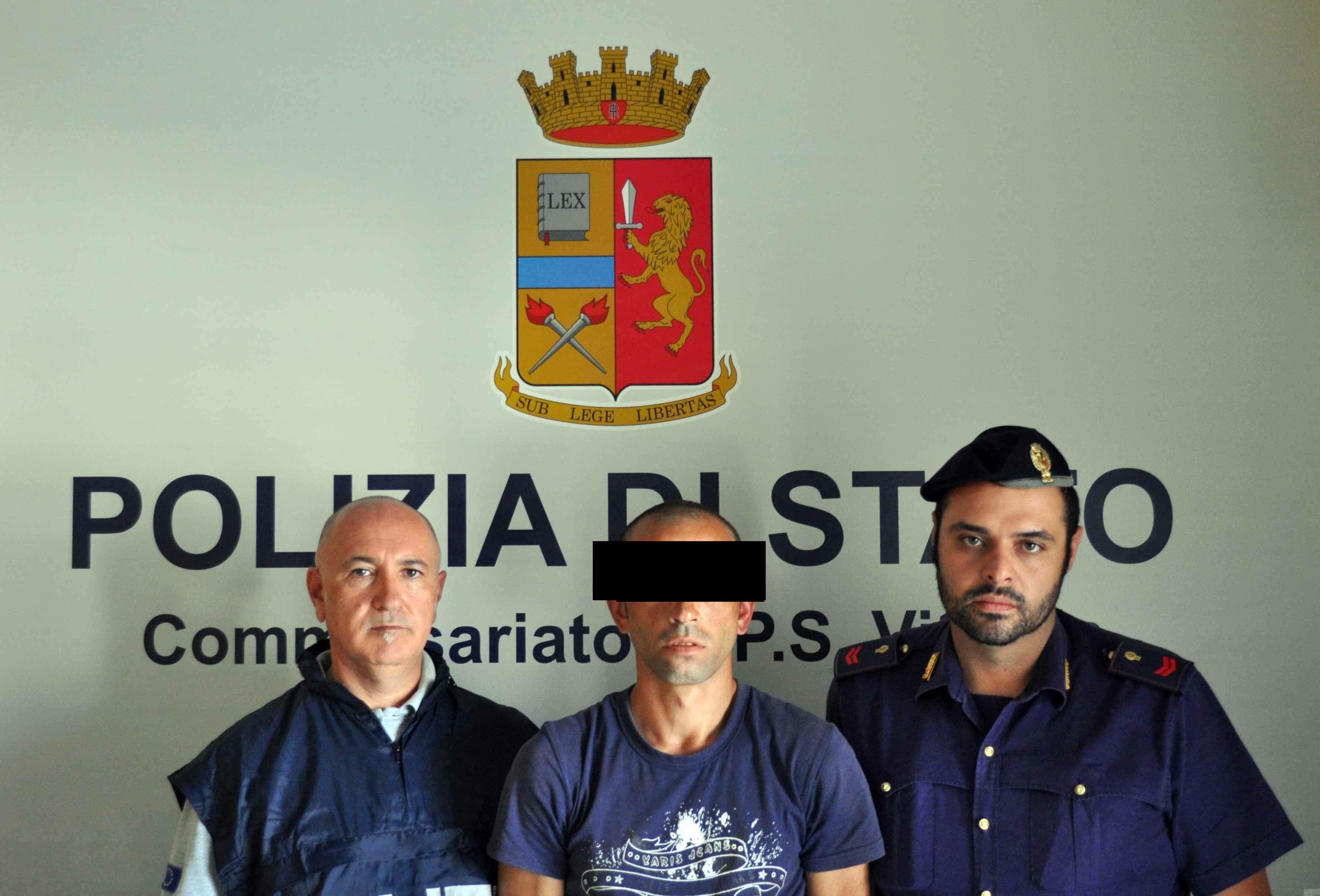 Commette violenza sessuale su una donna: rintracciato a Santa Croce, 31enne in custodia cautelare VIDEO