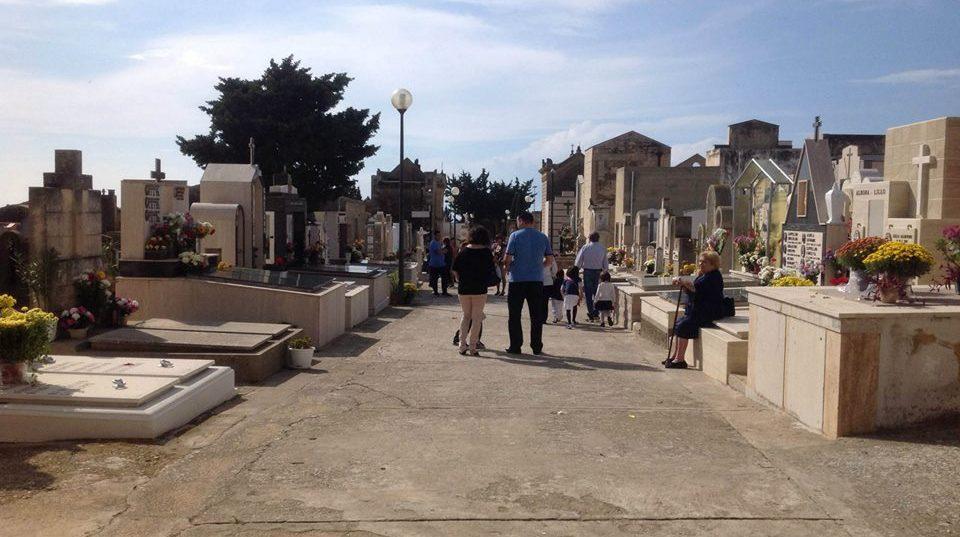Musumeci ha deciso: dal 4 maggio riaprono cimiteri e seconde case