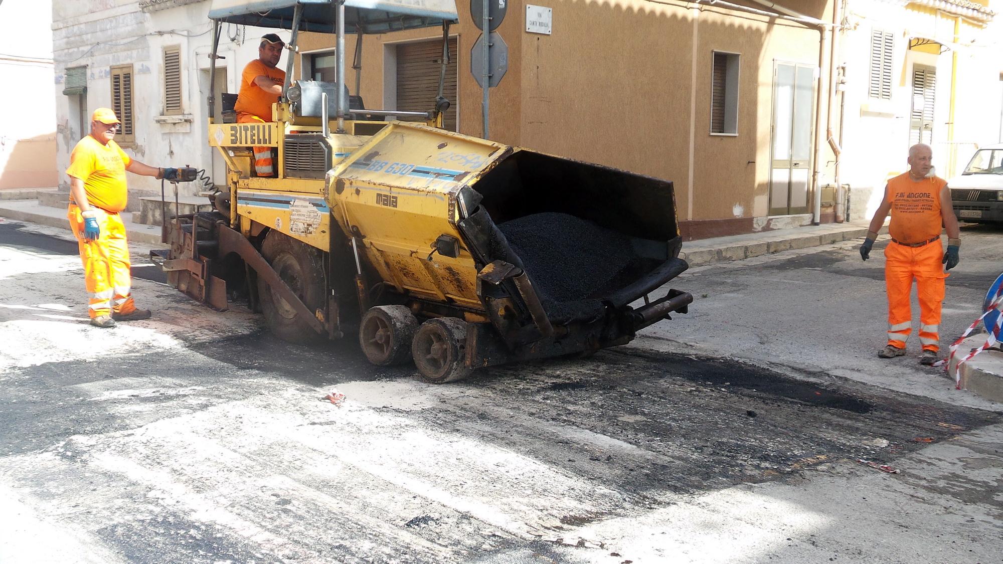 Via alla ripavimentazione delle strade dopo i lavori per la fibra ottica