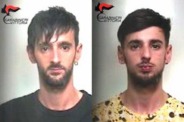 Comiso – Arrestati dai Carabinieri due spacciatori, nascondevano la droga tra i calcinacci di casa