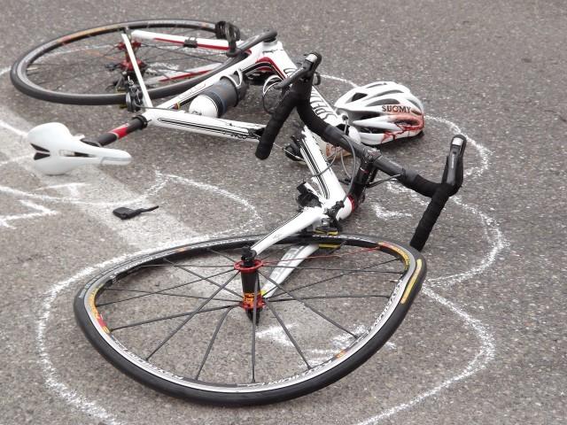 Scoglitti – Ciclista travolto da due auto in piena notte: è morto sul colpo