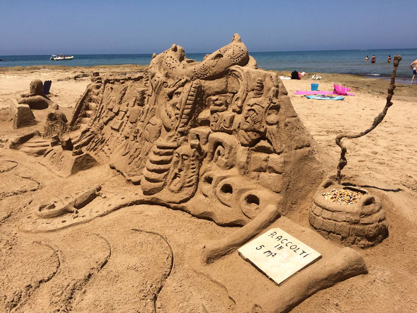 Iannini, l'ambiente dopo il Cristo Redentore: l'ultima scultura in sabbia