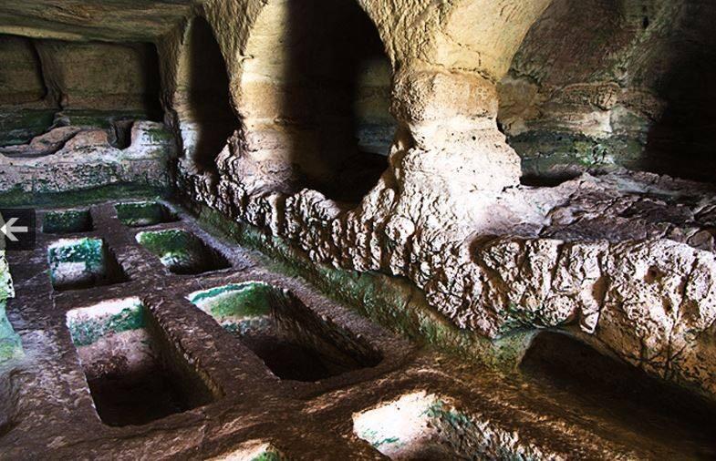 Arcana, domenica escursione alla Grotta delle Trabacche: come partecipare
