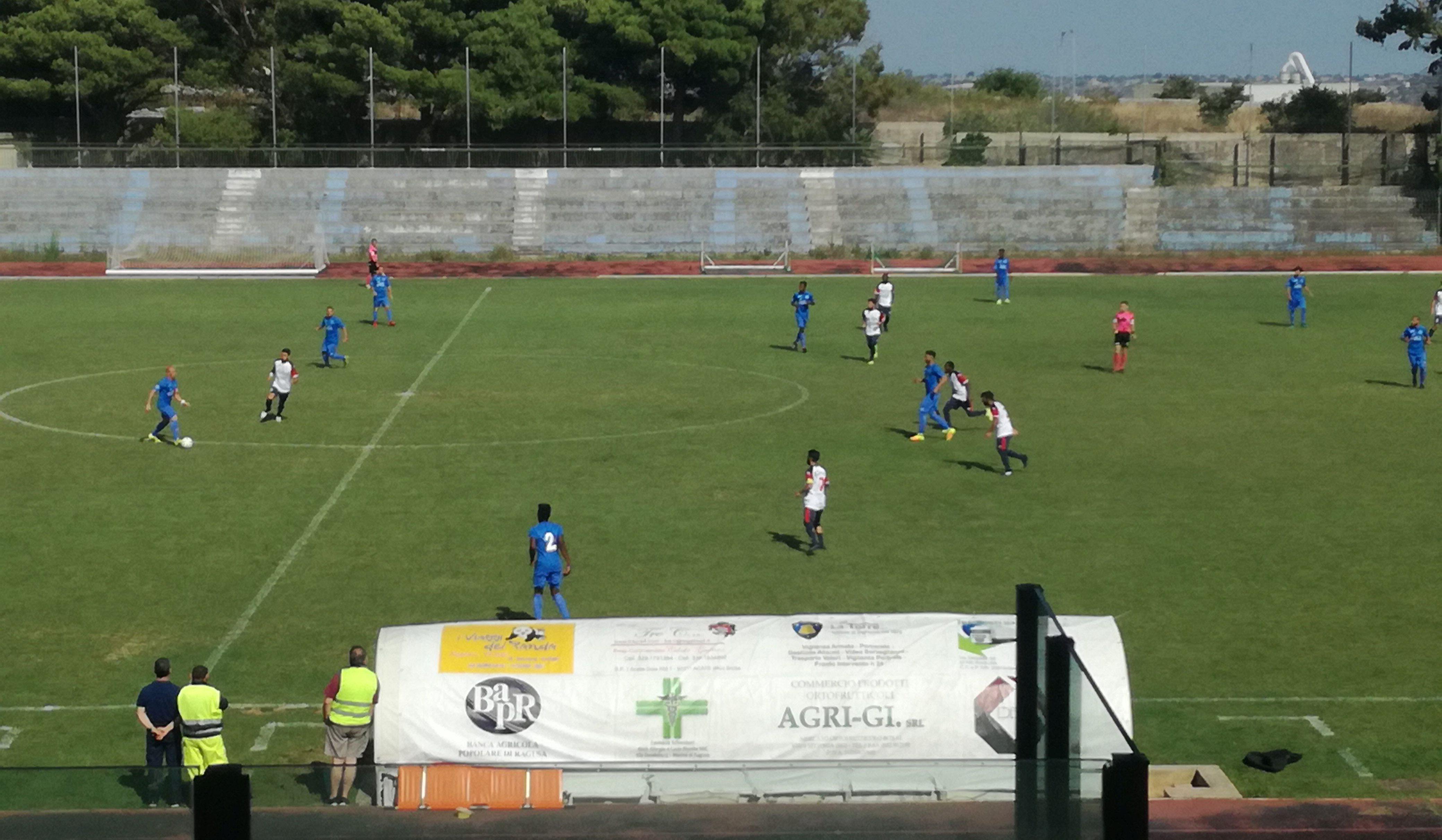 Calcio, domenica c'è il derby: Marina-Santa Croce in diretta Facebook alle 14.30