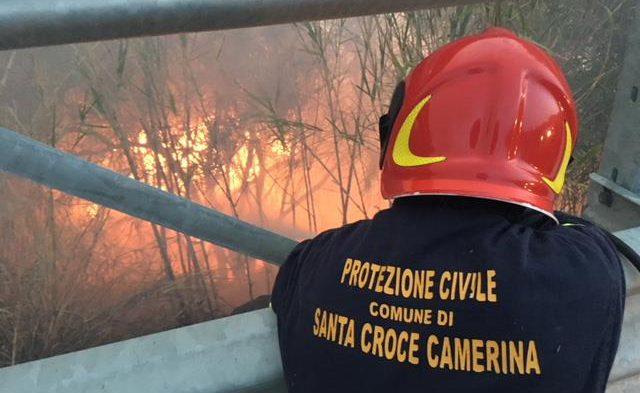 """La Protezione Civile doma gli incendi: 76 interventi nel periodo """"a rischio"""""""