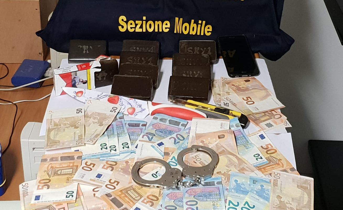 Vittoria – Spaccio di droga in via XXIV Maggio: un arresto e un provvedimento di espulsione