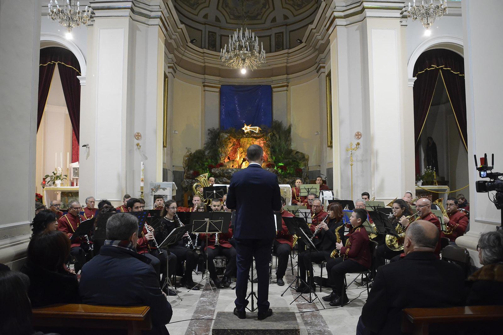 Il Concerto di Natale del Risveglio Bandistico in chiesa Madre: VIDEO E FOTO