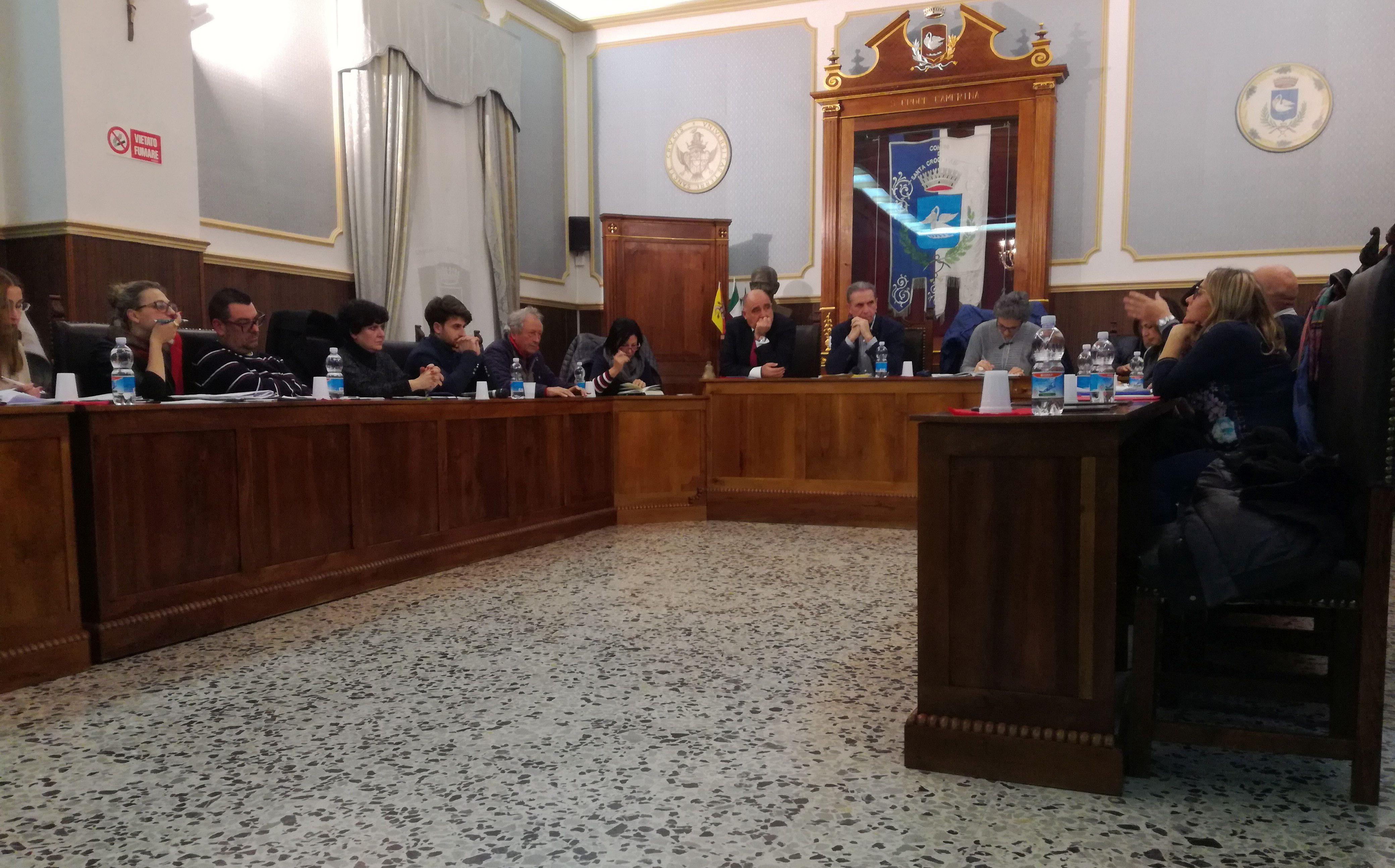 Bollette idriche, Consiglio approva le nuove tariffe (+6%). Rinviati gli altri punti