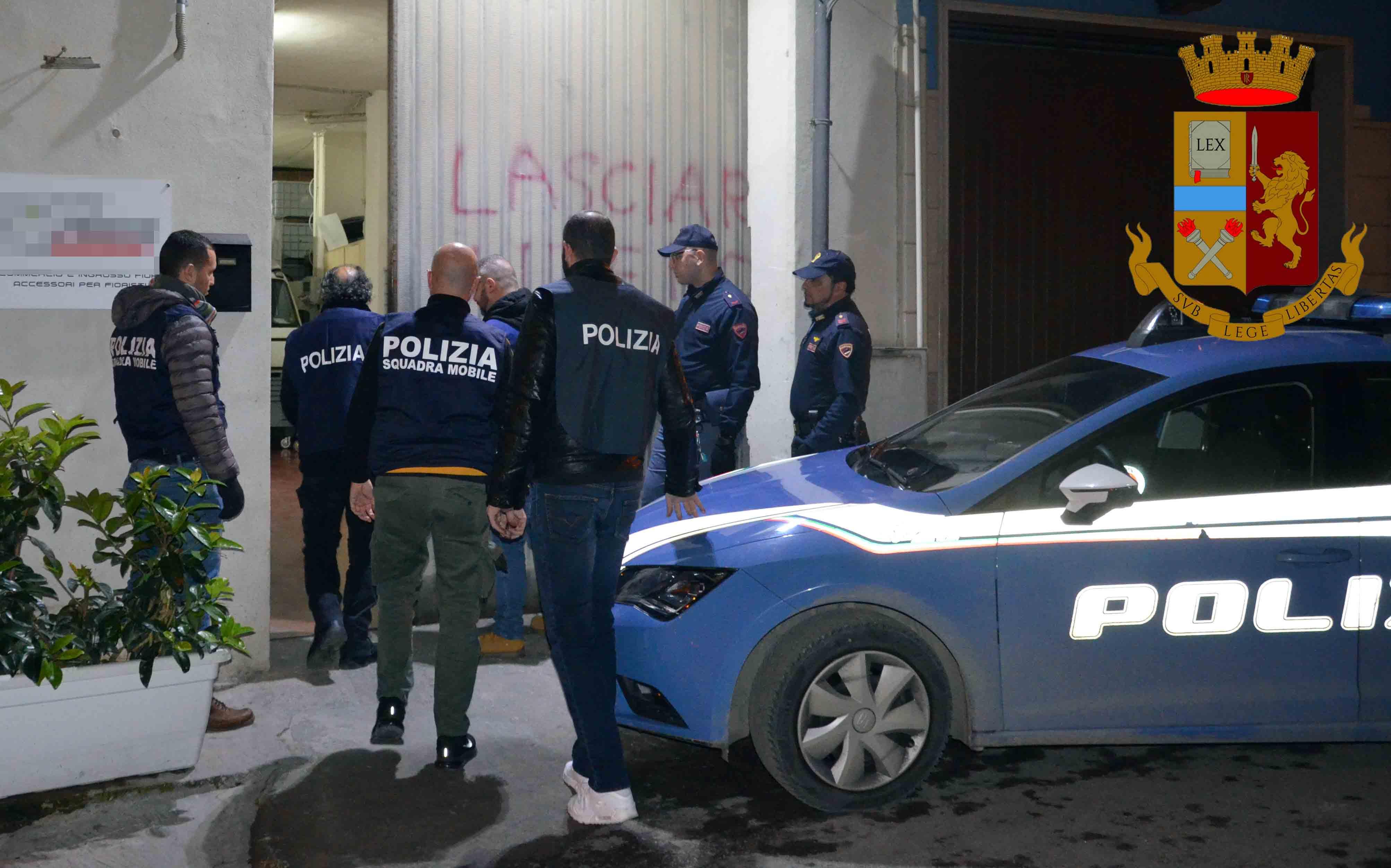 In possesso di armi e droghe: arrestato un incensurato di 50 anni a Vittoria