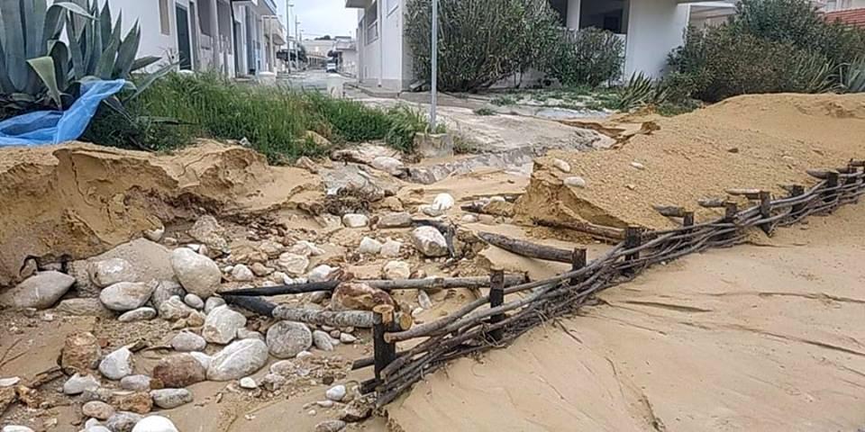 """Un mare di danni sulla spiaggia di Casuzze: """"Cancellato il ripascimento"""""""