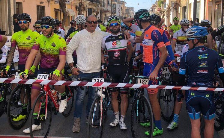 Il ciclismo tra le stradine di Santa Croce: si è tenuta la 1° Mediofondo