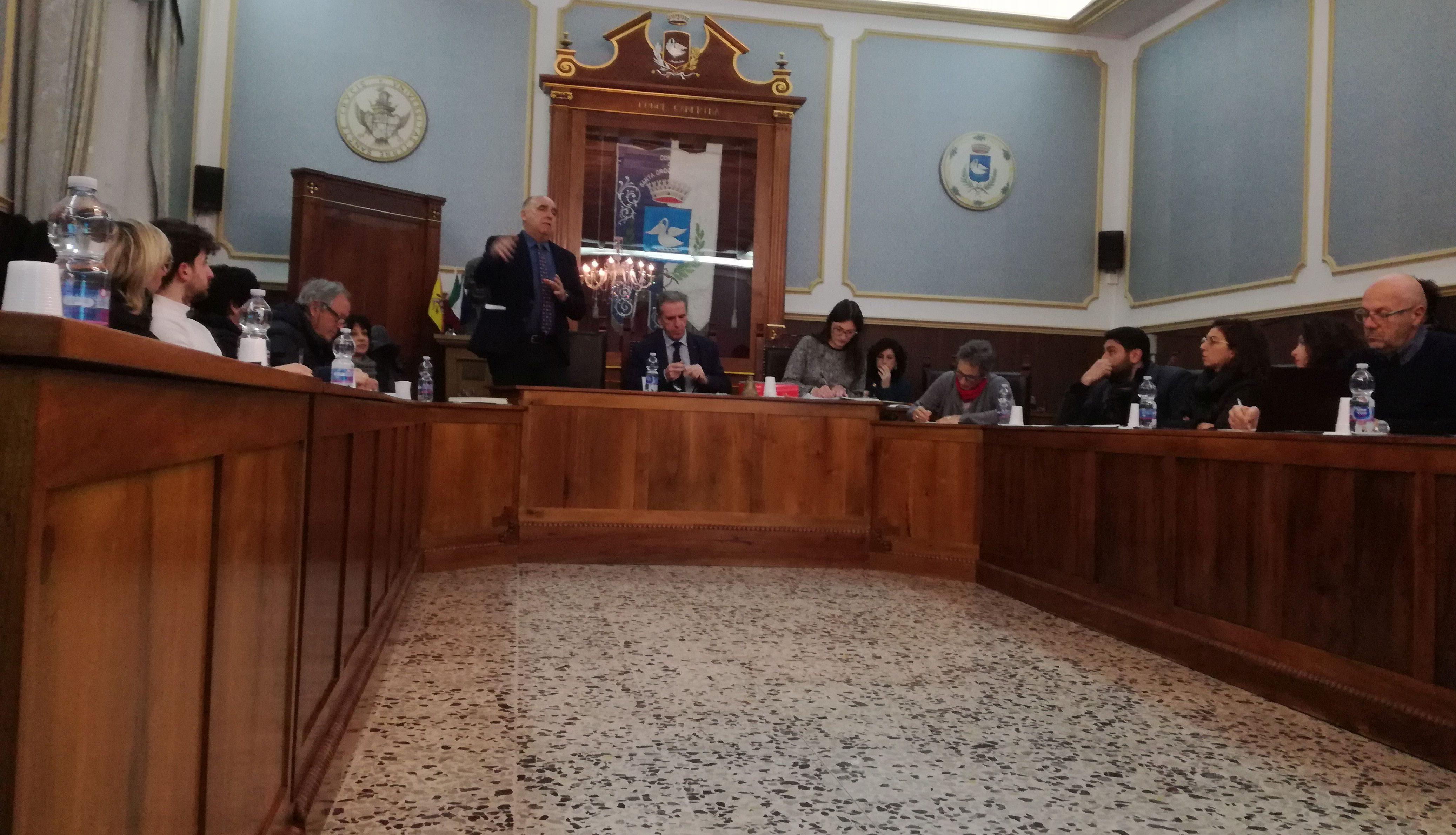 Il Consiglio prende contatto col Prg: il progettista lo illustra all'aula