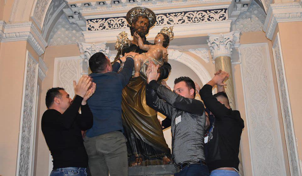 """La tradizione della fede: la """"scinnuta"""" dà il via alla festa di San Giuseppe"""