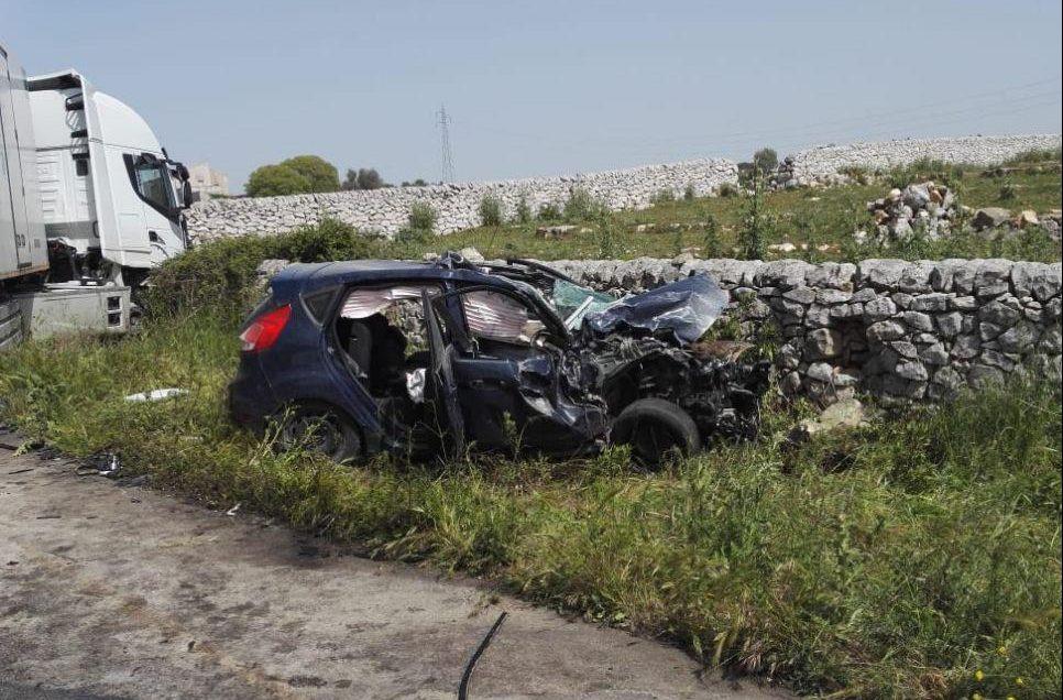Scontro sulla Ragusa mare: il conducente dell'auto in ospedale