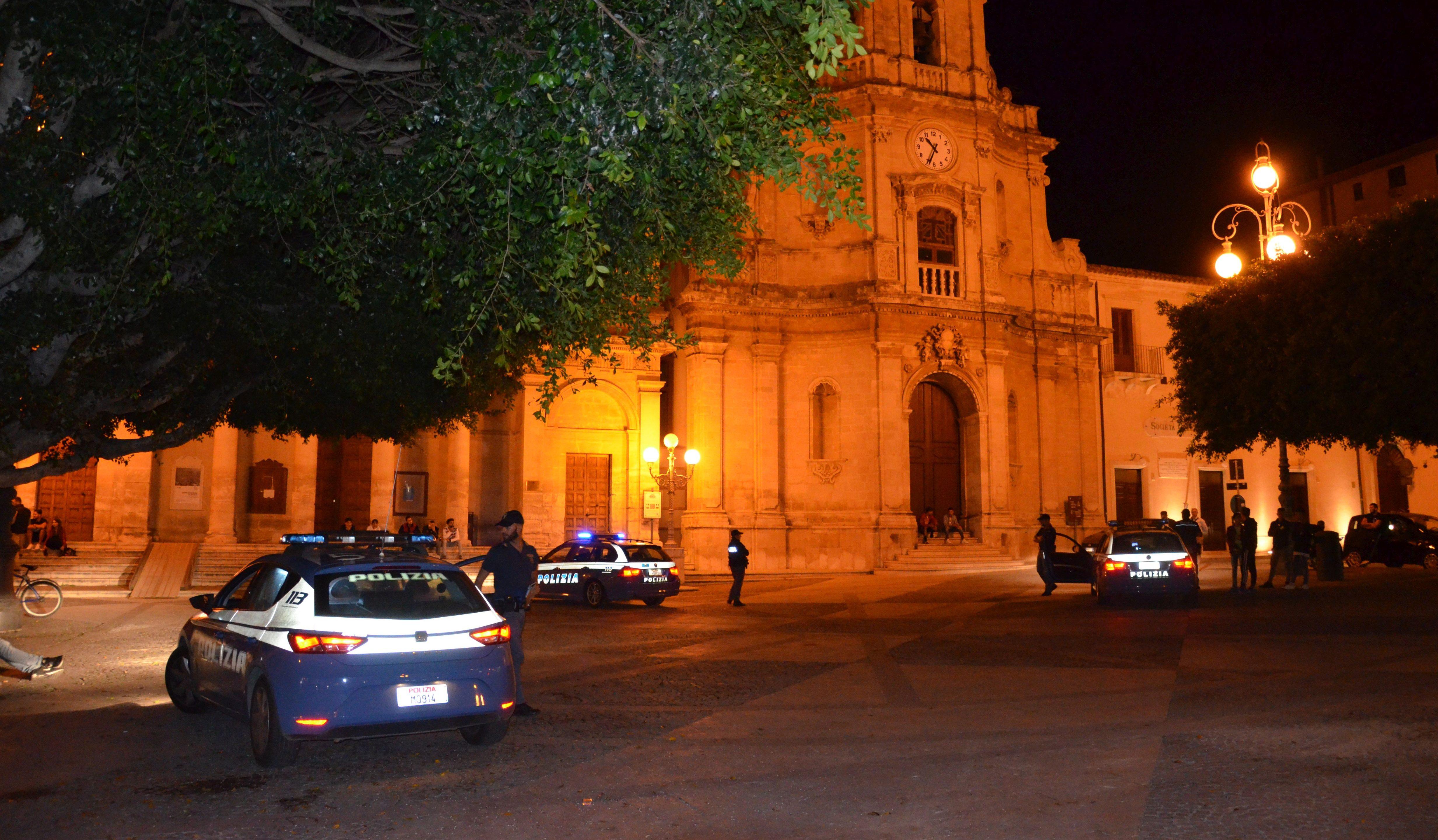 Perde le staffe e picchia i poliziotti: arrestato a Vittoria un 42enne