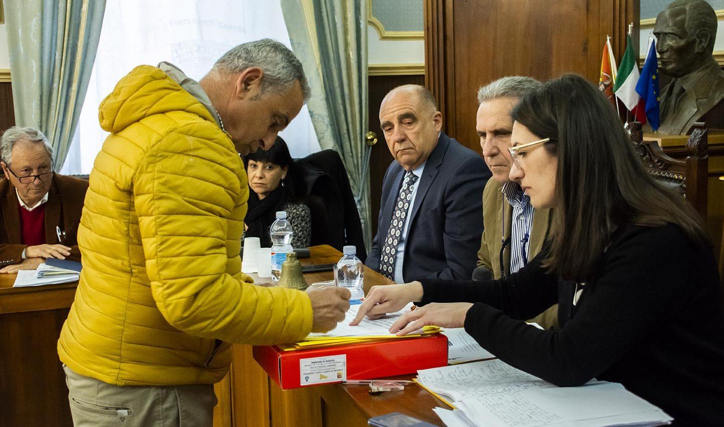 Entra Gravina, la vice-presidente è Galuppi: poi cade il numero legale
