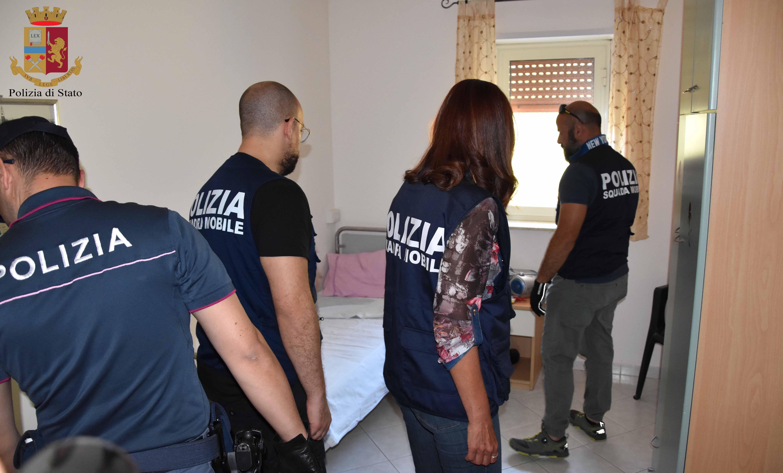 Botte e insulti ai malati di Alzheimer nella casa di riposo: tre arresti