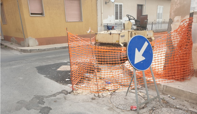 I cantieri di Enel distribuzione e il rischio di incidenti in via Carmine