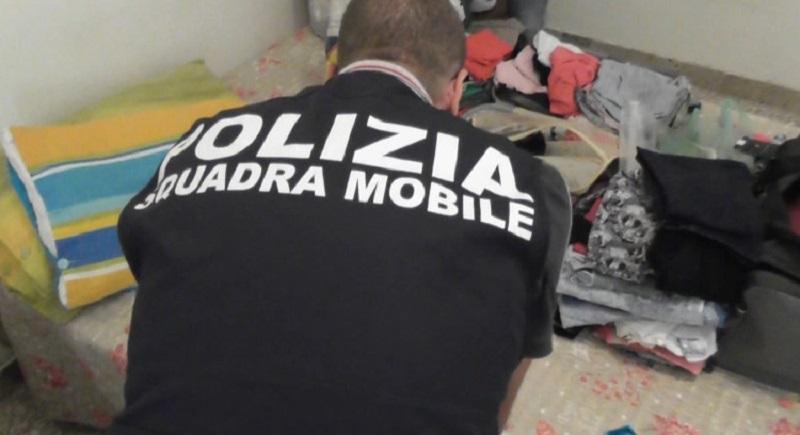 A Ragusa prostituirsi è redditizio: chiusa l'ennesima casa a luci rosse
