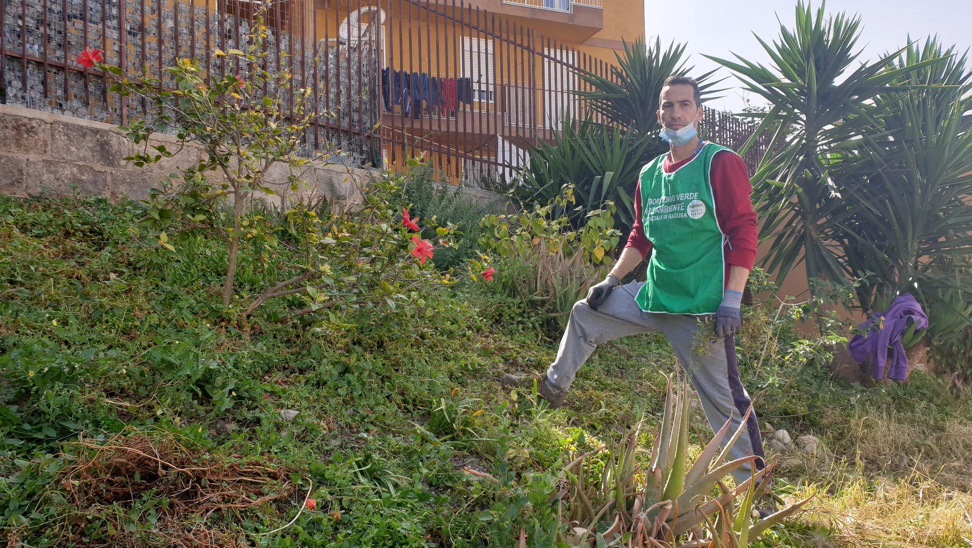 """Il decoro urbano di comunità: """"Curiamo il verde insieme ai cittadini"""""""