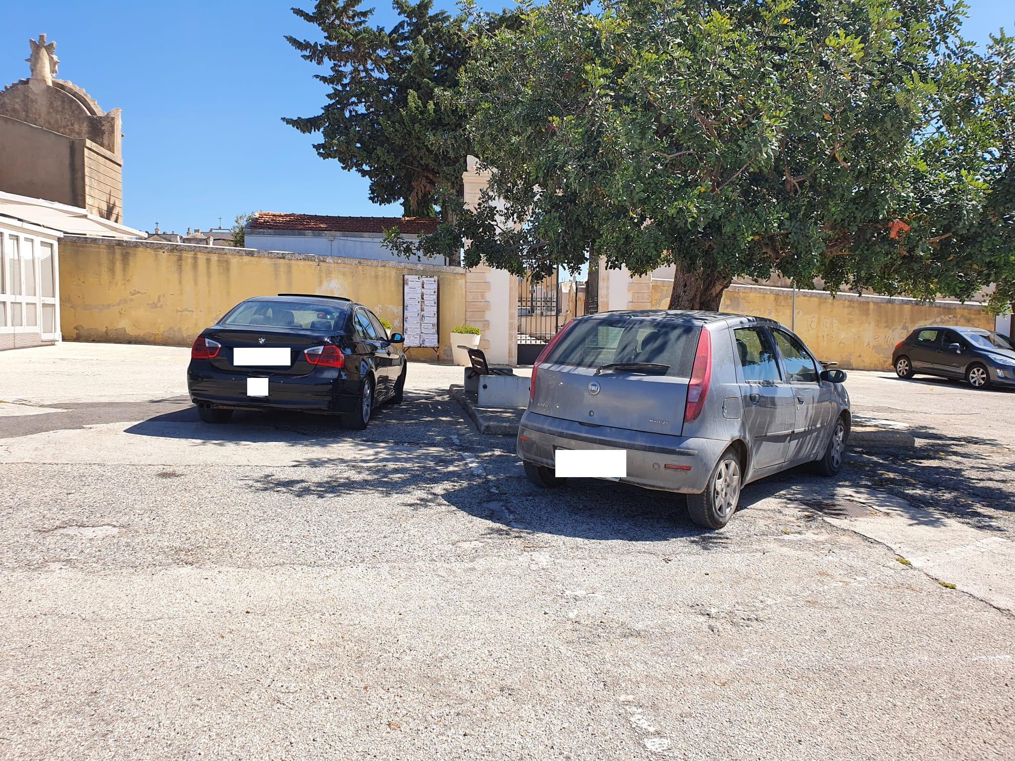 Il cimitero è chiuso, ma c'è sempre gente: la denuncia di Pina Cocuzza