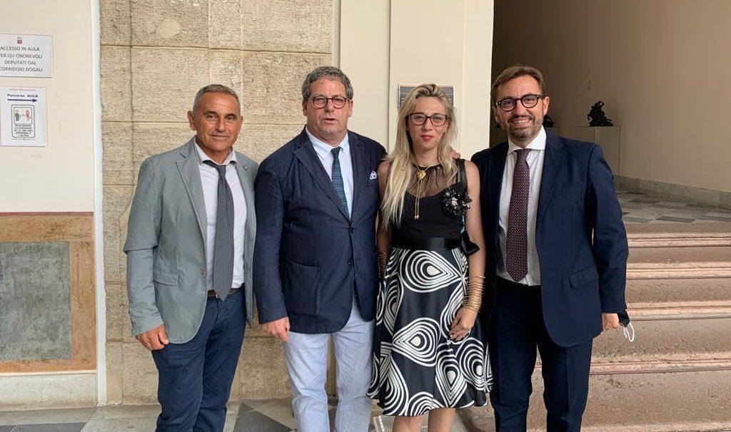 Gravina segue la Santodonato in Forza Italia: ricevuti da Miccichè