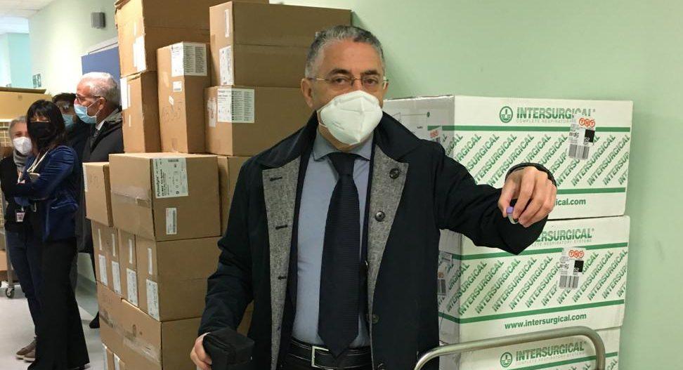 I vaccini a Ragusa: prima consegna all'ospedale Giovanni Paolo II