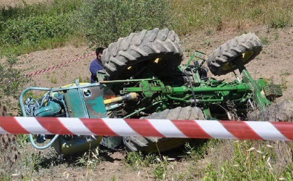Muore investito da un trattore: lutto cittadino per Vito Gravina