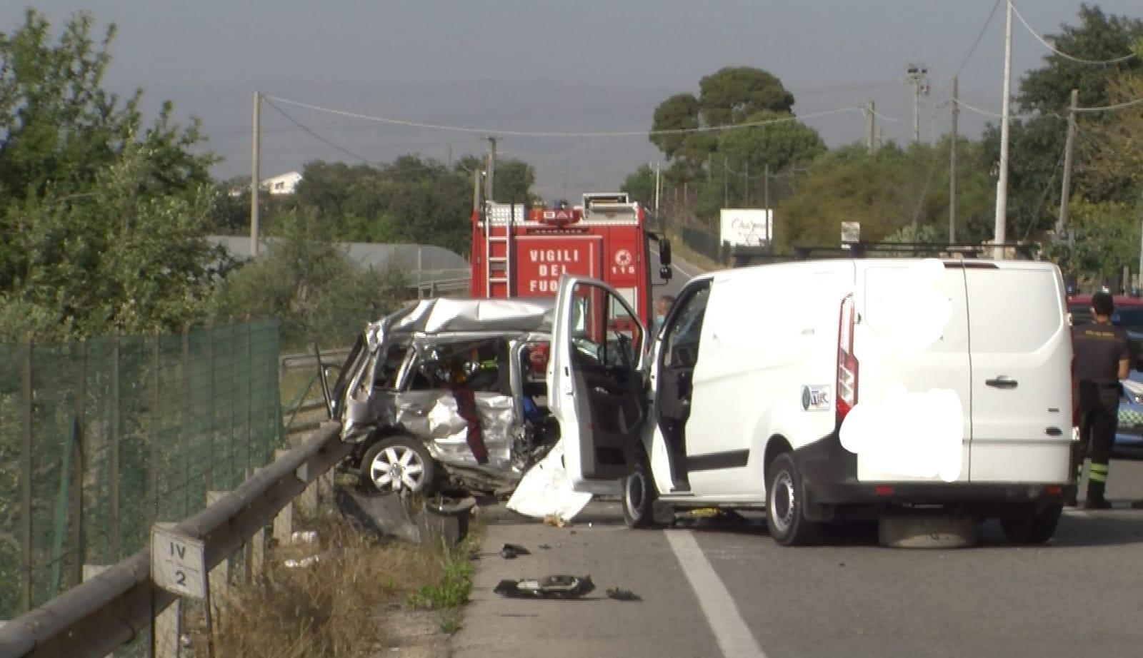 Incidente mortale sulla Comiso-Santa Croce: ci sono quattro vittime