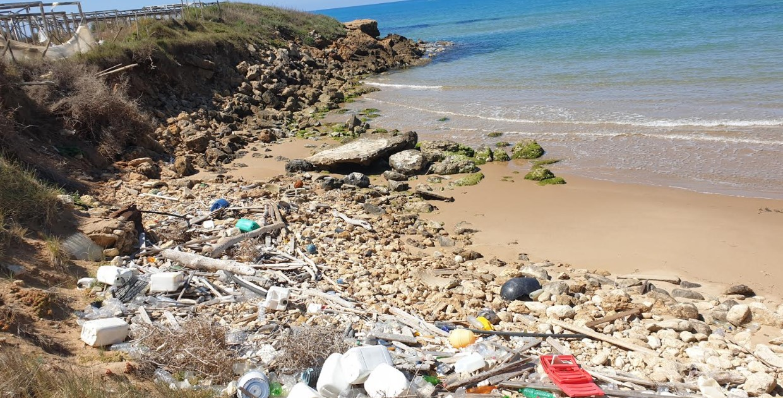 Percorso delle torri e rifiuti speciali: ma chi salvaguarda il mare?