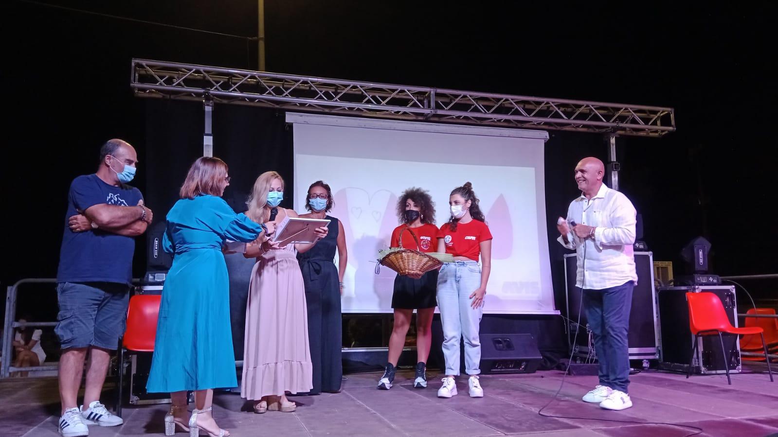 CalendAvis, celebrata in piazza Faro la serata dell'altruismo: il video