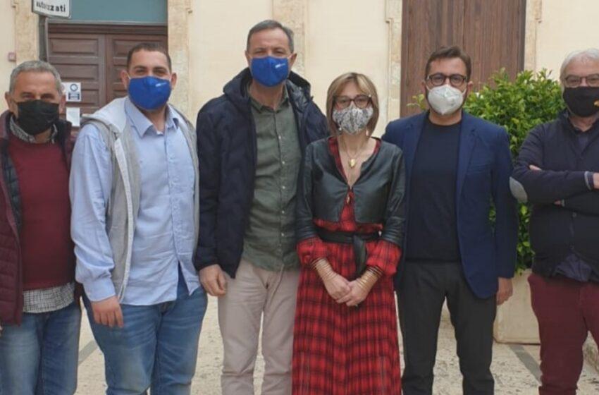 L'inaugurazione della sede di Forza Italia con l'assessore Toni Scilla